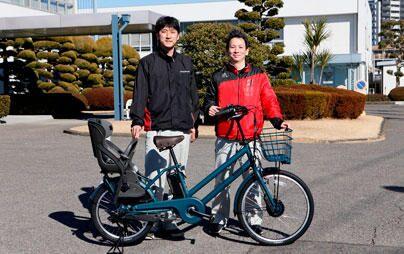 【ブリヂストンの師匠と弟子】電動アシスト自転車を世界の人に-両輪駆動「Dual Drive」の制御ユニット開発秘話