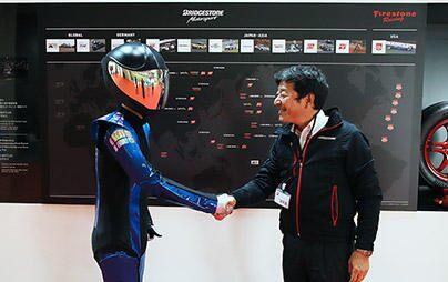 <番外編>MOTOBOT君が東京モーターショーでブリヂストンブースに来た本当の理由